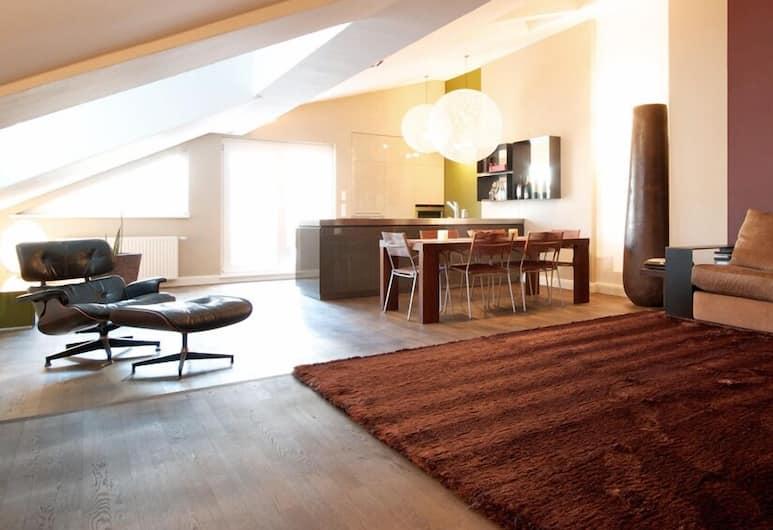 myhomeinvienna Deluxe Apartment, Viyana, Design Çatı Katı Süiti (Penthouse), 1 Yatak Odası, Teras (Cleaning fee 40 EUR), Oturma Alanı
