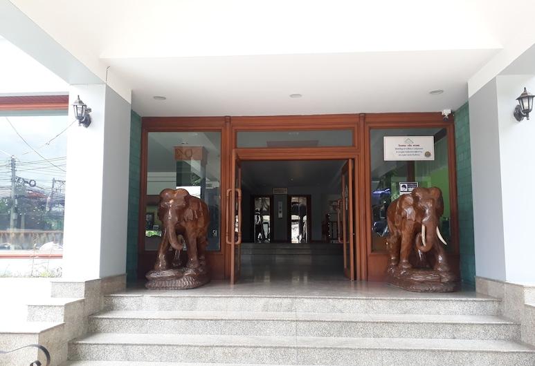 Green Palace Hotel, Chiang Mai, Hotel Entrance
