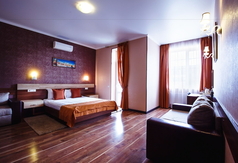 Park Hotel, Kharkiv, Superior Double Room, Guest Room