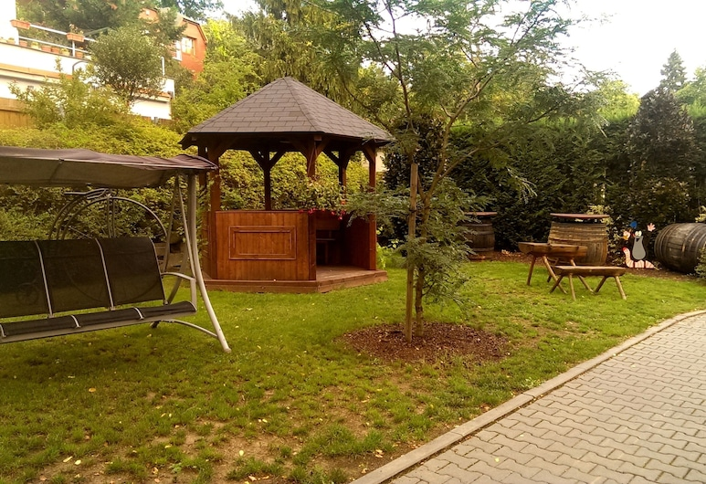 Pension Hattrick, Prague, Jardin