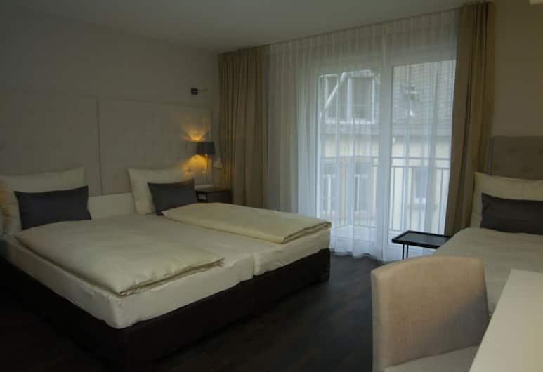 Hotel Europa Style, Frankfurt, Classic Triple Room, Guest Room