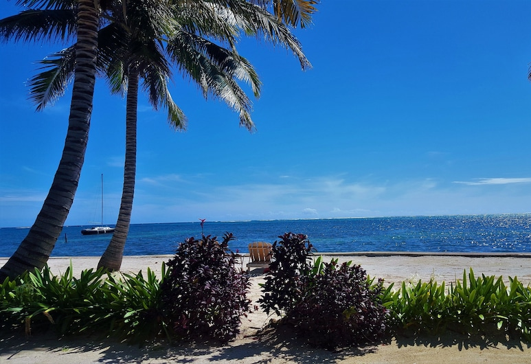 Tres Cocos Resort, San Pedro, Beach