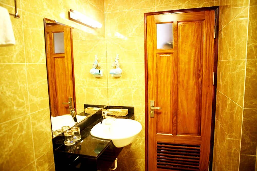 Superior Double Room (1 Big Bed Only) - Bathroom
