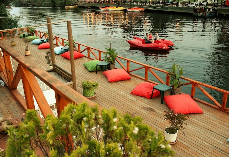 Club Grand Becassier, Şile, Göl