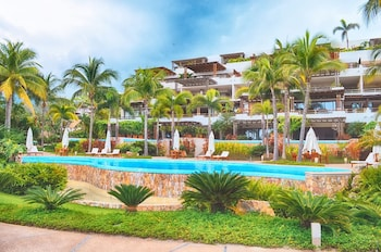 Picture of Los Veneros Beachfront Residences in Punta de Mita