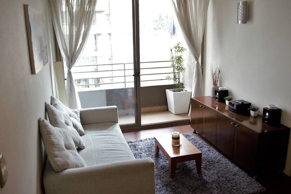 Standard Apartment, 2 Bedrooms, Accessible, City View - Living Room
