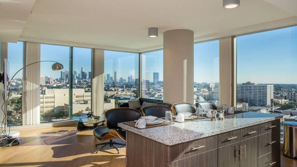 Awesome Modern LA 2 Bedroom Luxury Suites, Los Angeles, City View