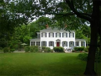 Picture of Oak Manor Inn in Hartsville