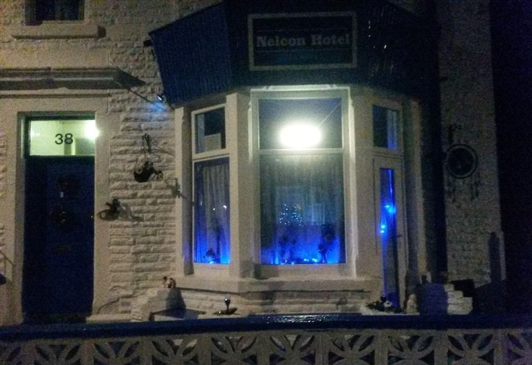 Nelcon Hotel, Blackpool, Ingang van hotel