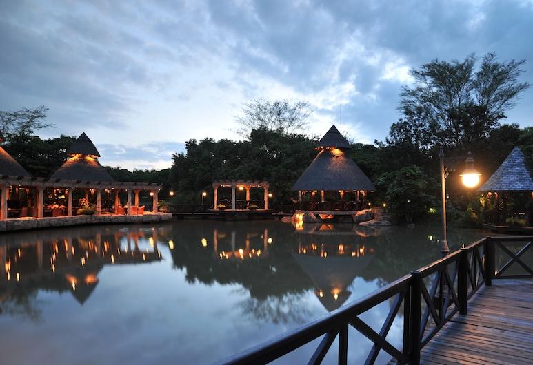 Summerfield Luxury Resort & Botanical Garden, Matsapha, ร้านอาหาร
