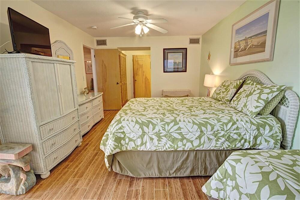 Hibiscus Resort C 2 Bedroom Condo by MCM  St  Augustine  Guest Room. Book Hibiscus Resort C 2 Bedroom Condo by MCM in St  Augustine