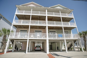 Picture of Grand Cayman I Holiday Home 8 bedroom By Affordable Large Properties in North Myrtle Beach