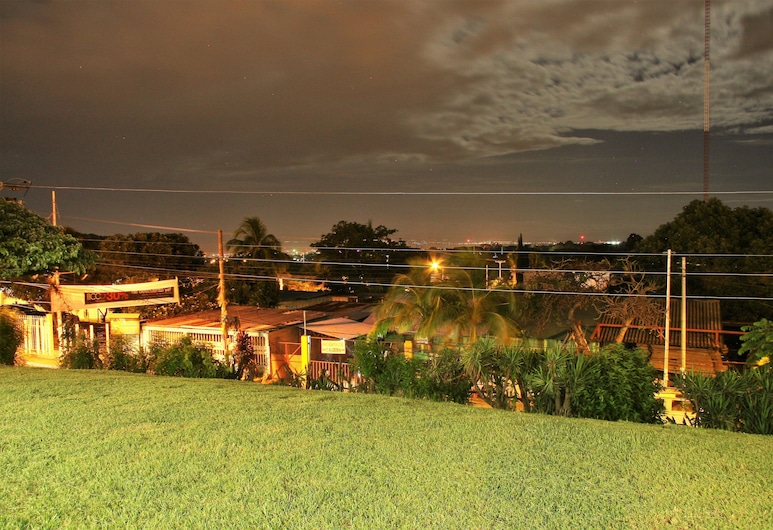 El Mirador Suites and Lounge, Managua, Property Grounds