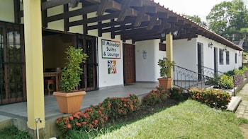 Picture of El Mirador Suites and Lounge in Managua