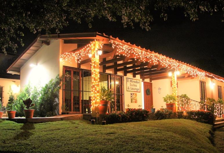 El Mirador Suites and Lounge, Managua, Hotel Front – Evening/Night