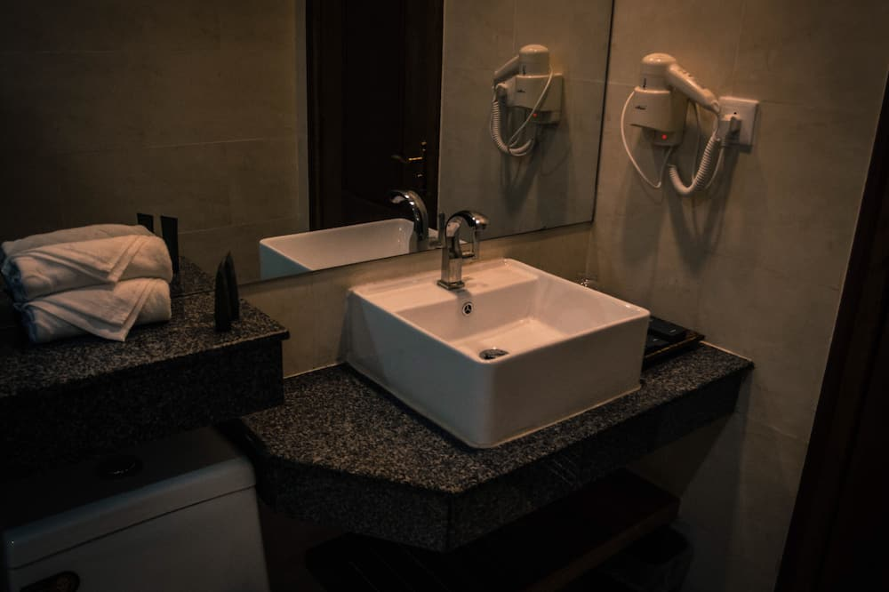 Suite, 1 cama king-size, Varanda - Casa de banho