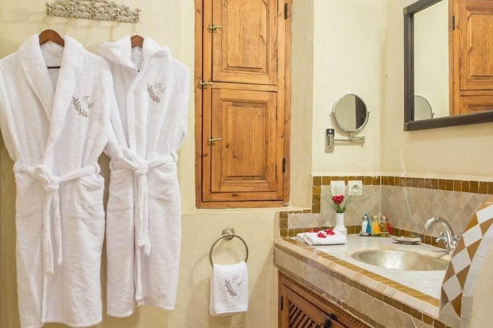 חדר דה-לוקס זוגי או טווין, חדר רחצה פרטי - חדר רחצה