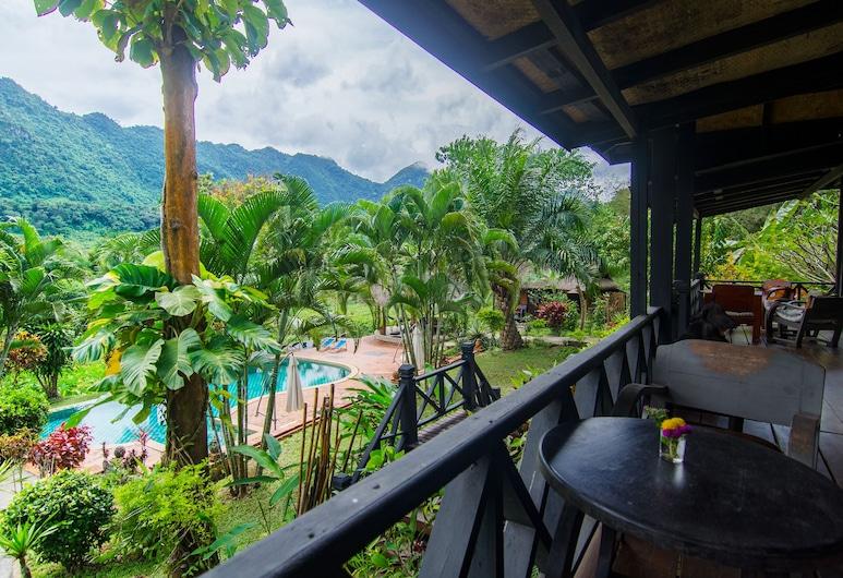 山林自然生活方式旅館, 龍坡邦