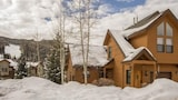 Choose this Apartment in Keystone - Online Room Reservations
