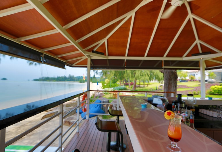 Holiday Villa Pantai Indah, Bintan, Hotel Bar
