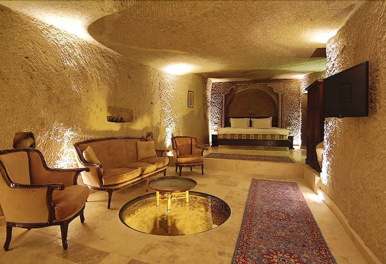 Erenbey Cave Hotel, Nevsehir, Family Suite, Ground Floor (Cave), Living Area