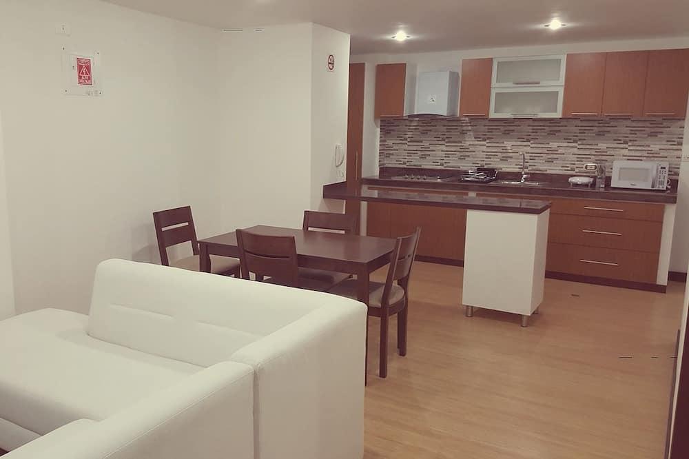 Standard Apartment, 3 Bedrooms - Ruang Tamu
