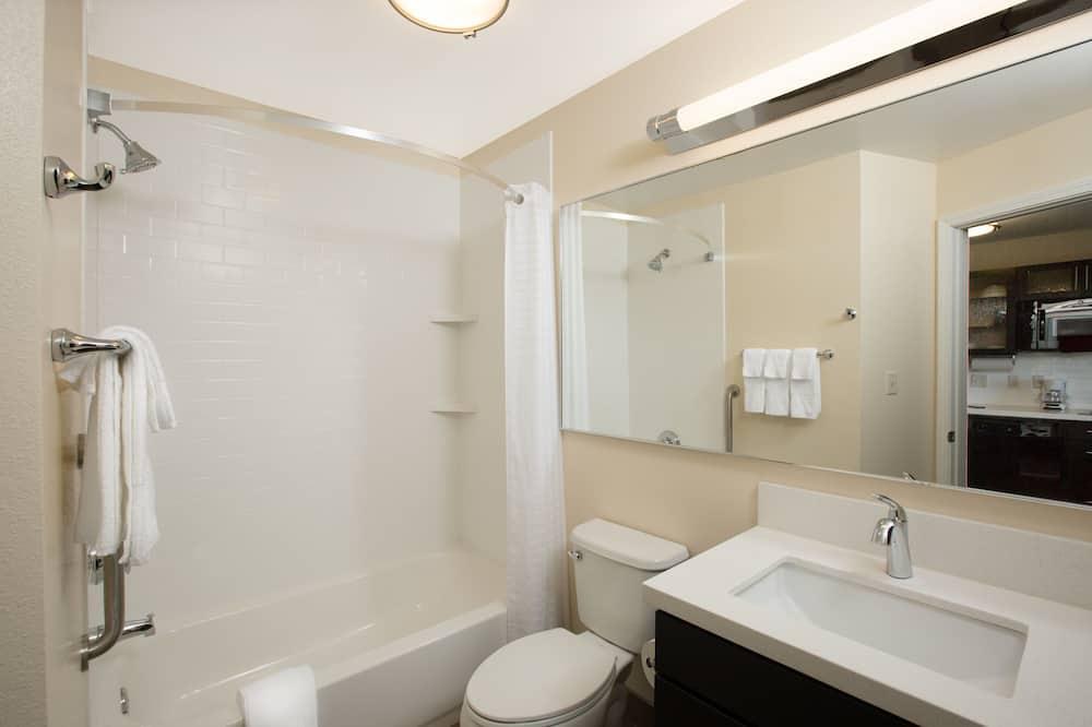Studiosviitti, 1 suuri parisänky - Kylpyhuone
