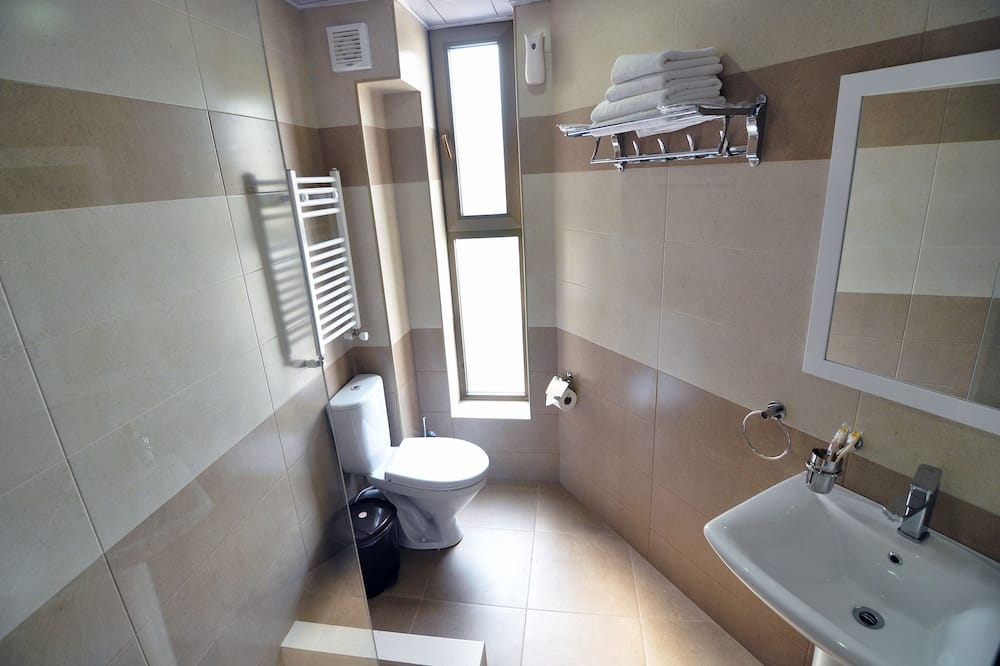 ห้องดับเบิล, เตียงคิงไซส์ 1 เตียง, ระเบียง - ห้องน้ำ