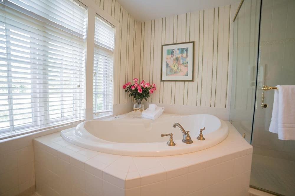 Honeymoon suite, 1 kingsize bed, open haard - Badkamer
