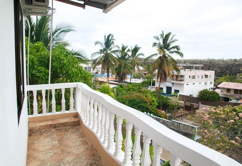 Hostal Sir Francis Drake, Puerto Ayora, Family Room, Balcony, Balcony