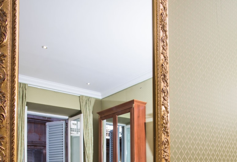 Trevi Luxury Rooms, Rome, Double or Twin Room, Guest Room