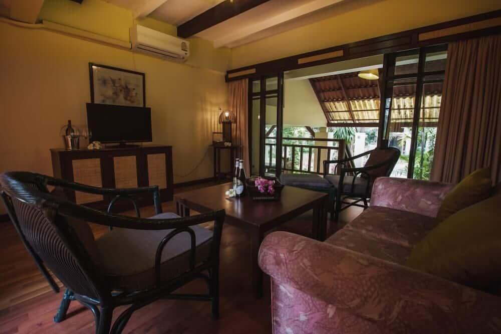 Family Suite (2 Bedrooms Villa) - Living Room