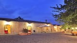 Choose this Country House in Sant'Alfio - Online Room Reservations