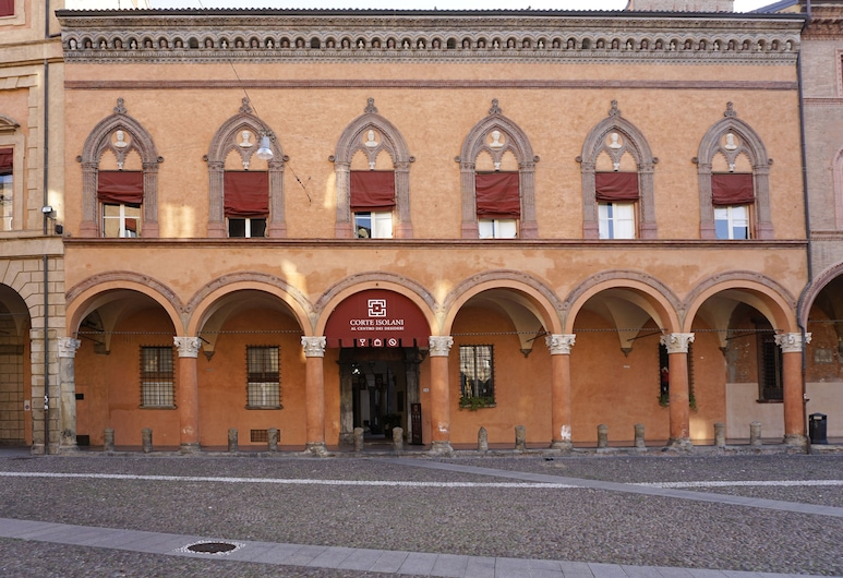 Casa Isolani Santo Stefano, Болонья, Фасад отеля вечером/ночью