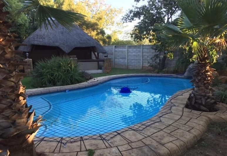A Little Paradise Guest House, Midrand, Pool