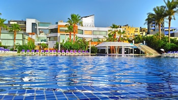Picture of Senses Hotel and Beach Resort in Zouq Mkayel