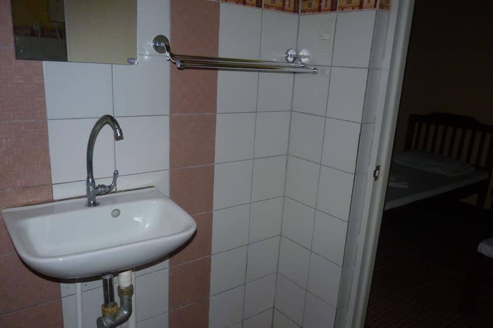 Comfort Twin Room, 2 Bedrooms - Bathroom