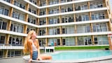 Choose This 2 Star Hotel In Surfers Paradise