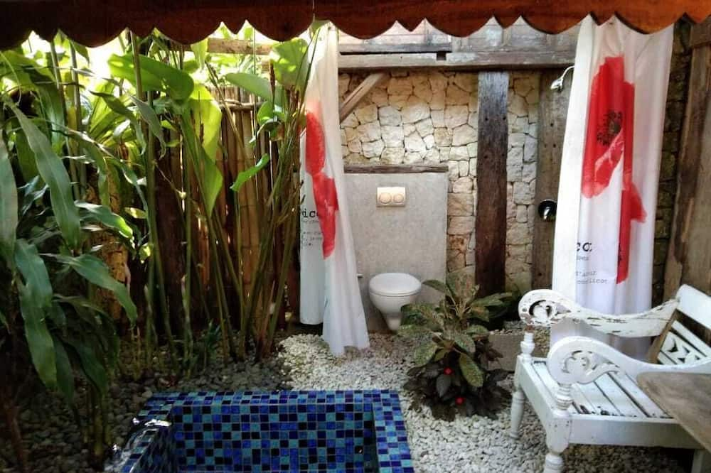 Namas (Jineman) - Vonios kambarys
