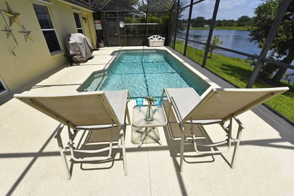 Family Townhome, 4 Bedrooms - Pool