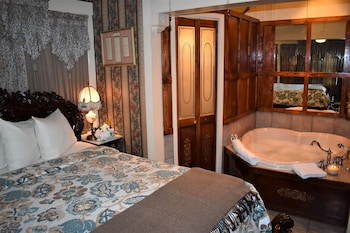 Picture of The Gables Inn Bed & Breakfast in Hot Springs