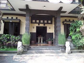 תמונה של De Clove Guest House בMalang