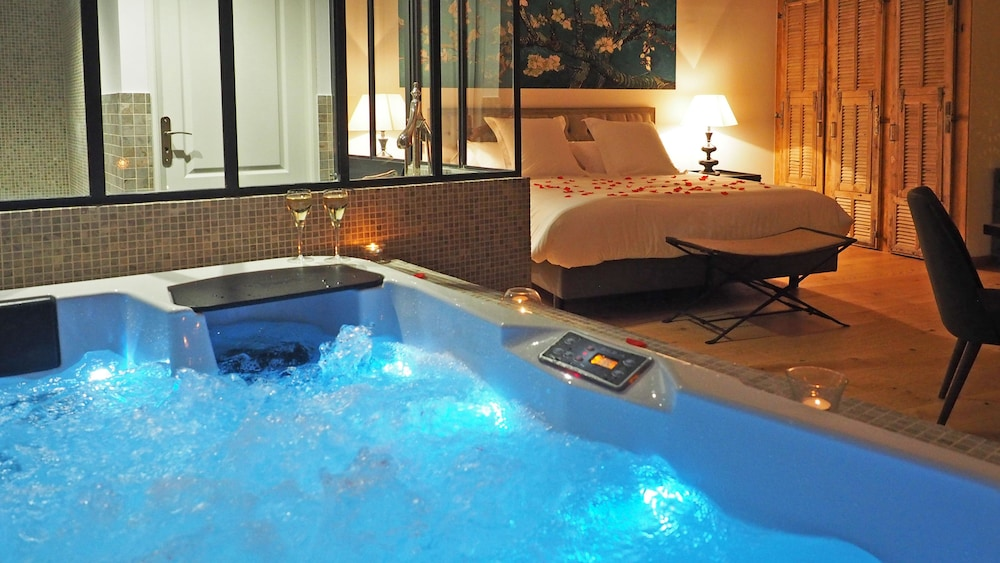 Chambre DHtes Les Varits  SaintRmyDeProvence  HotelsCom