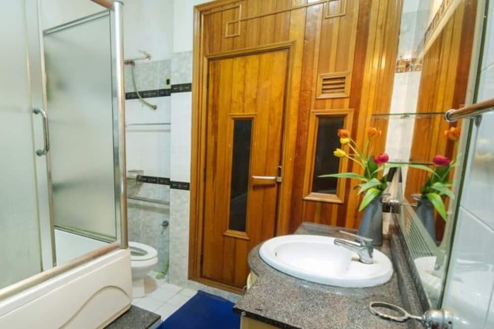 Pokój, 2 łóżka podwójne (Bathroom Outside) - Łazienka