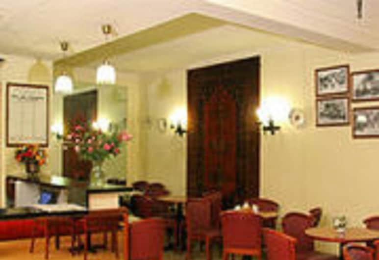 호텔 카멜리아 인터네셔널, 파리, 리셉션