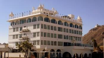 Obrázek hotelu Mewargarh - Red Lion Hotels, Udaipur ve městě Udaipur