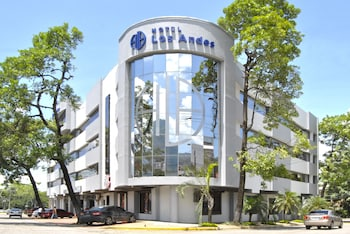 Enter your dates to get the San Pedro Sula hotel deal