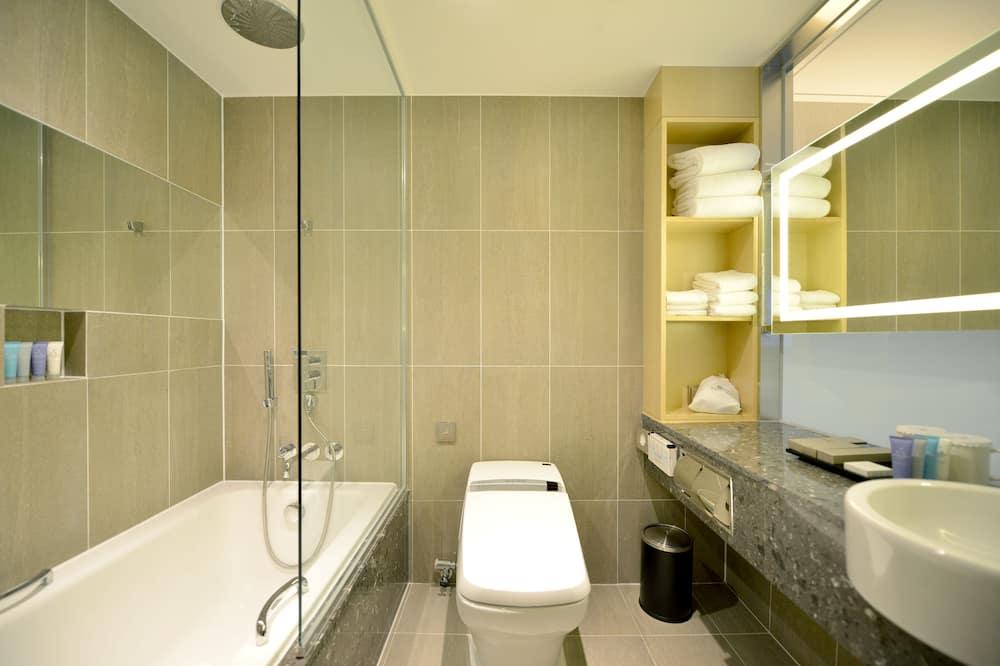 Üç Kişilik Oda (with Bathtub) - Banyo