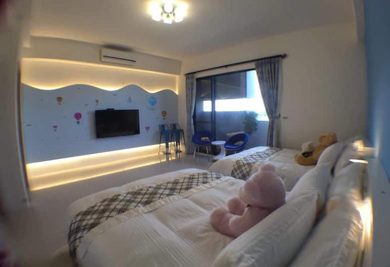 Riverside Guesthouse, Tainan, Quadruple Room, River View, Guest Room