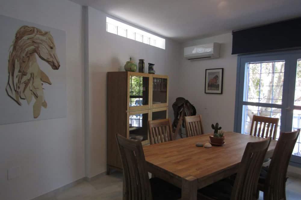 Comfort Διαμέρισμα, 2 Υπνοδωμάτια (Mustang) - Γεύματα στο δωμάτιο